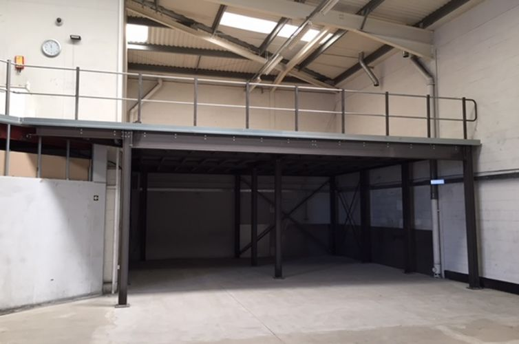 BS EN 1090-2 structural steel mezzanine floor